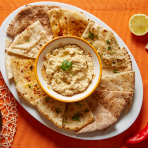 Humus with cucumbers and naan