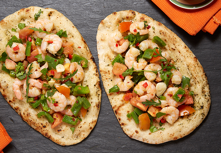 Garlic prawns and pepper with naan